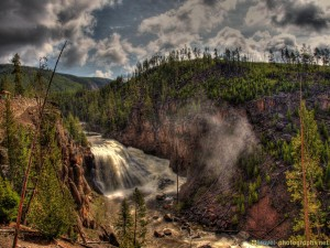 hdr-yellowstone-photos-waterfall