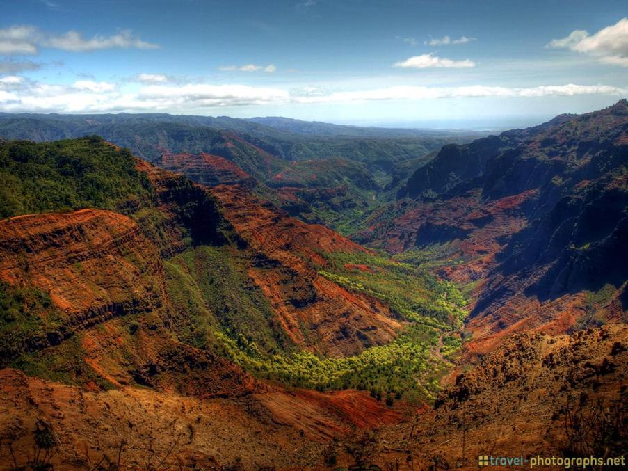 waimea-canyon-hawaii-kauai-hdr